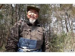 滋賀県山奥で30年トラックで暮らす元経営者未確認日本人は誰?名前やWikiプロフィール(年齢・大学)家族や収入は?【なぜそこ日本人】